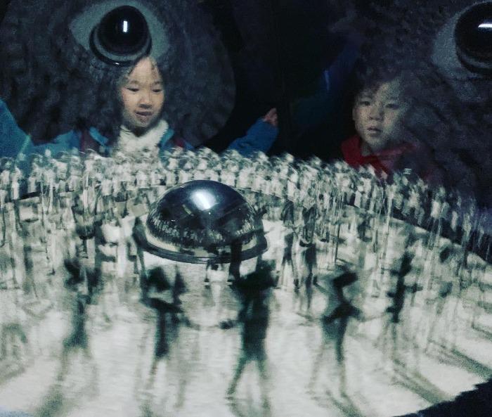 Toshio-Iwai_kids